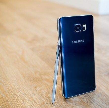 """Samsung Note 5 Customers have to deal with flawed """"S Pen"""""""