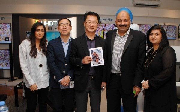 Samsung inaugurates its first 'Smart Hub' store in Karachi