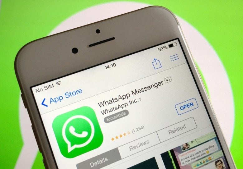 """All you need to do is simply have to turn on Siri and utter, """"Can you read my latest Whatsapp messages."""" The AI assistant will request for access"""
