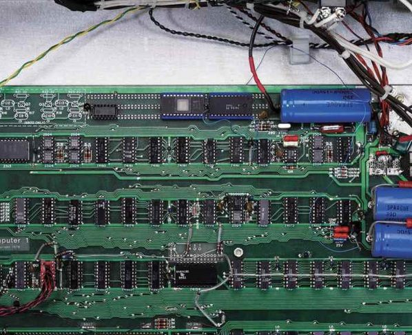 Working Apple-1, Apple's first ever computer, sells for $355K