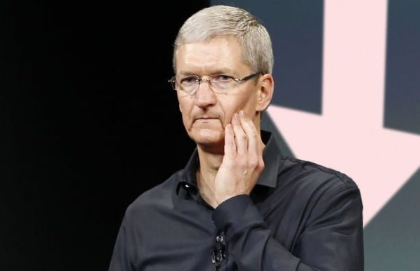 Apple faces a new legal headache on privacy issues