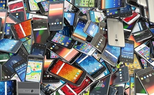 Decision to Destroy Smuggled Phones should be Reconsidered by FBR
