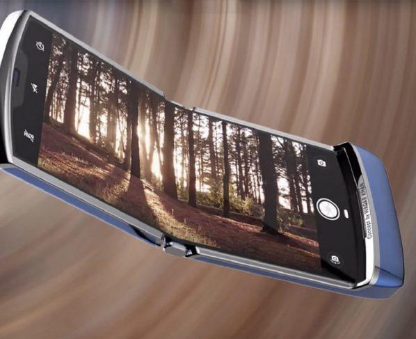 "A ""mid-range"" foldable phone"