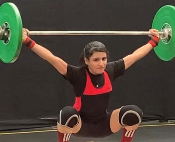 Pakistani weightlifter wins a gold medal