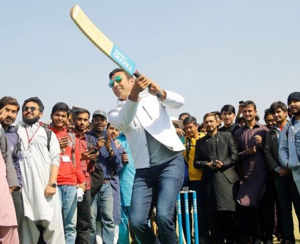TECNO Real-time Cricket