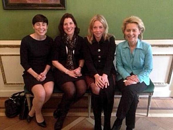 Die Verteidigungsministerinnen von Norwegen (Ins Eriken Søreide), Schweden (Karin Entström), Niederlanden (Jeanine Hennis-Plasschaert), und Deutschland (Ursula von der Leyen).