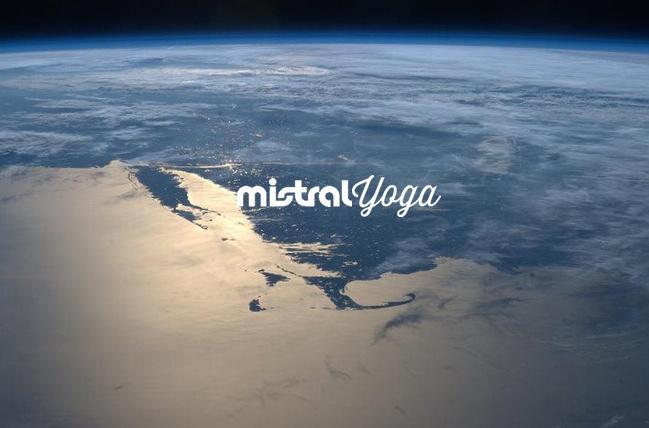 Mistral Yoga keyvisual