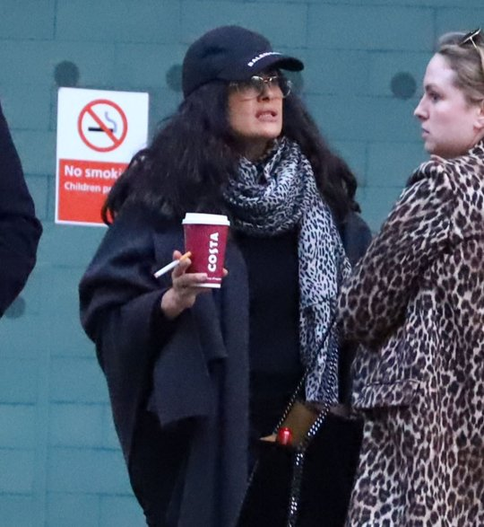 Salma Hayek Makes Her Own Rules As She Ignores 'no Smoking
