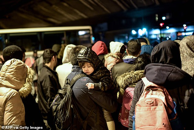 Up to 1,500 migrants were cleared out of a camp in central Paris in the early hours of Thursday by hundreds of police officers