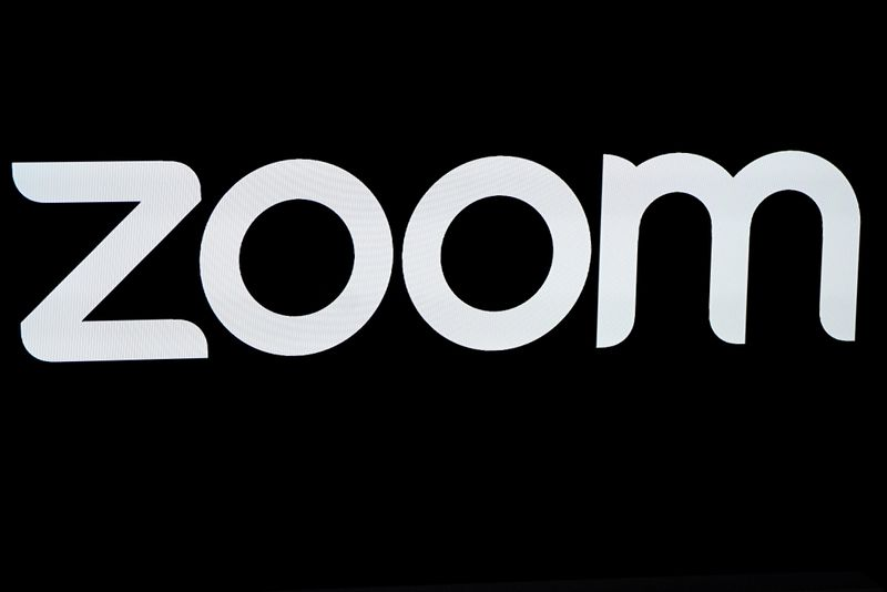 © Reuters. FILE PHOTO: The Zoom Video Communications logo is pictured at the NASDAQ MarketSite in New York