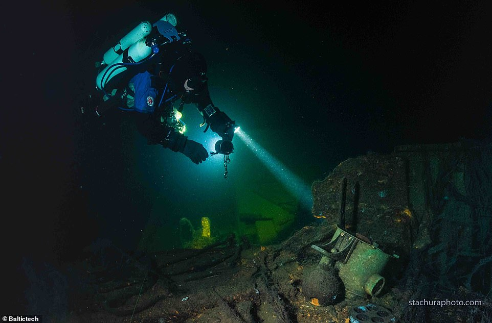 A WWII ship which divers think could contain the legendary Amber Room has been found at the bottom of the Baltic sea