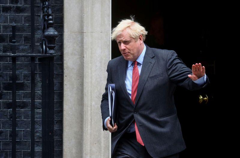 © Reuters. FILE PHOTO: Britain's Prime Minister Boris Johnson leaves 10 Downing Street, in London