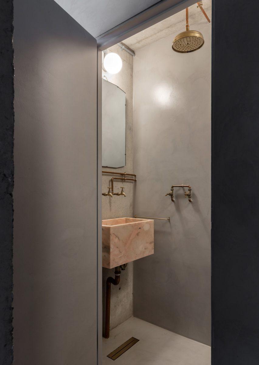 Stone sink in Untiled House extension by Szczepaniak Astridge in London
