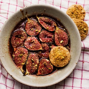 Nigel Slater's figs with pistachio biscuits.