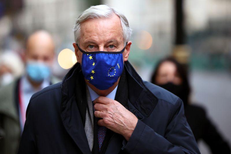 © Reuters. European Union's Brexit negotiator Michel Barnier arrives at 1VS conference centre ahead of Brexit negotiations in London