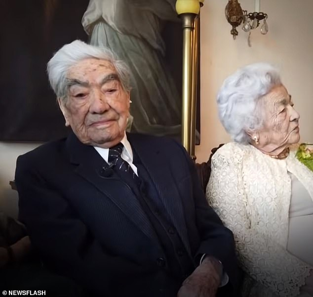 Julio Cesarformed one half of the world's oldest married couple withWaldramina 'Waldrita' Maclovia Quinteros Reyes, pictured together above