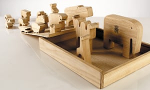 16 Animals, a puzzle cut in one continuous stroke from a single piece by oak, made by Enzo Mari for Danese, 1959.