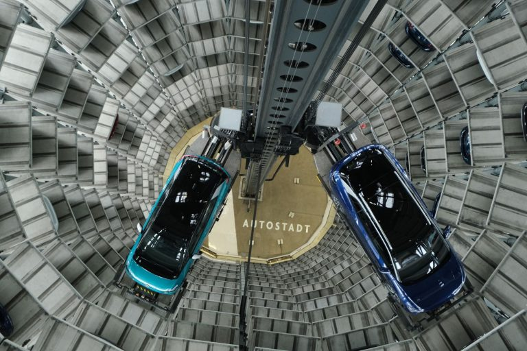 Germany plans €2bn support to help auto sector switch to clean mobility