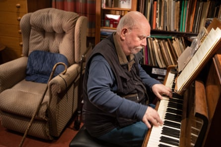 Paul Harvey at the keyboard.