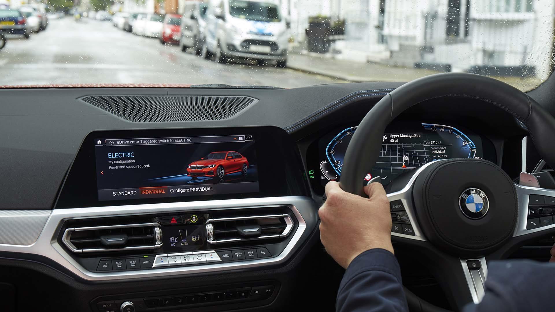 BMW in eDrive mode