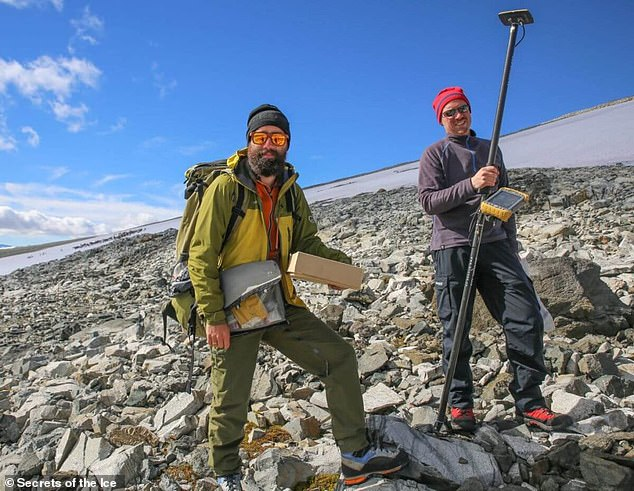Archaeologists taking samples and artifacts fromLangfonne. Analysis of the arrows found on the site disprove the theory that ice patches present a perfectly preserved image of history 'like a time machine'