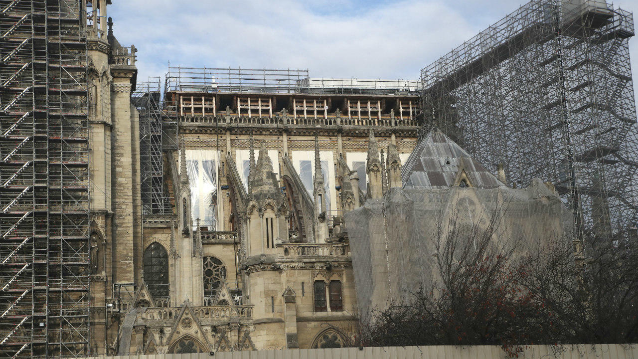 The apse of Notre-Dame Cathedral, and scaffolding built to assist in restoration work after the April 2019 fire at the Paris monument, on November 25, 2020.