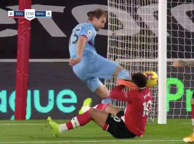 Craig Dawson kicks Che Adams in the head during West Ham's Premier League clash with Southampton