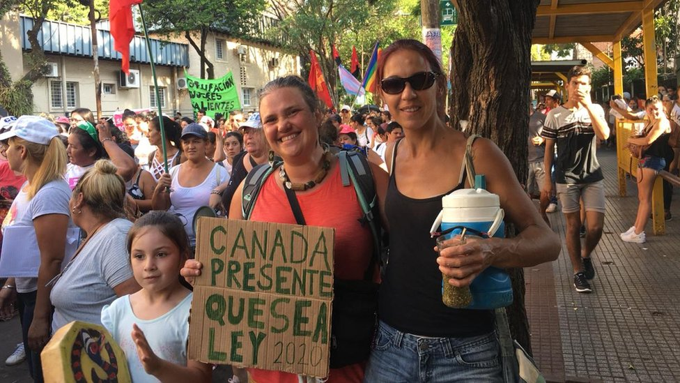 Carmen Dolores Piñeiro and her friend and daughter at a pro-choice march