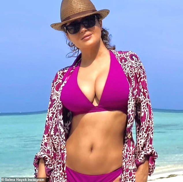 Looking fab:Salma Hayek rang in the 'Last days of 2020' with a pair of smoldering bikini shots from an undisclosed beach location this Tuesday