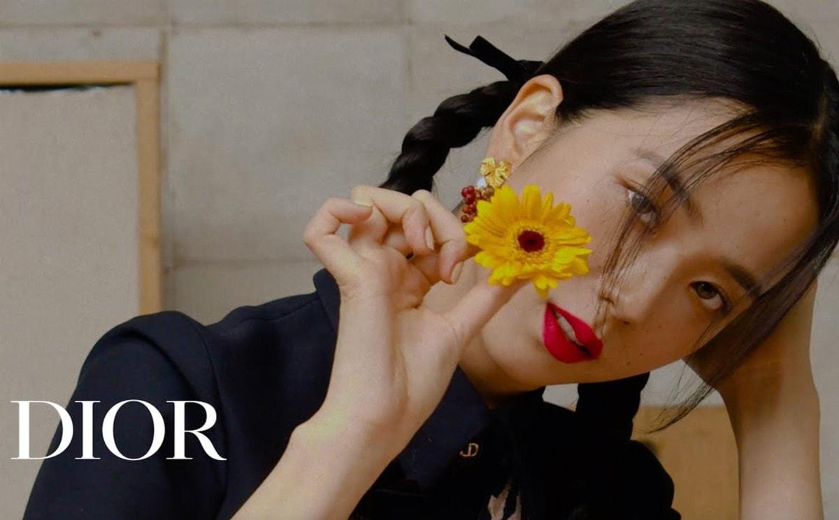 Video: Dior styles singer Jisoo