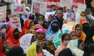 Garment workers protest in Dhaka