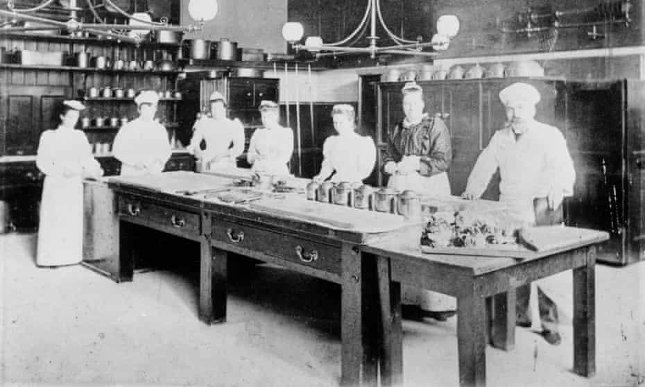 Kitchen Staff about 1900 (c)