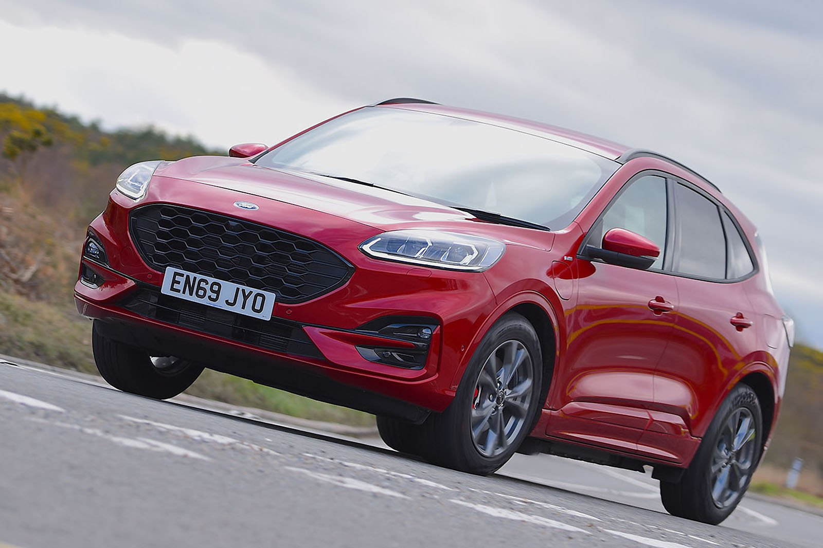 Ford Kuga 2020 RHD front left tracking