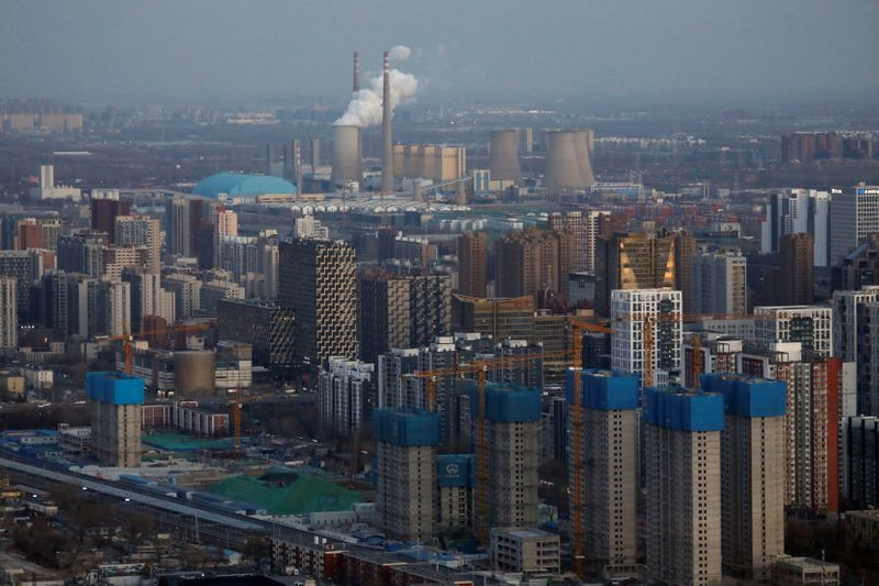 © Reuters. Residential buildings under construction are seen near the central business district (CBD) in Beijing
