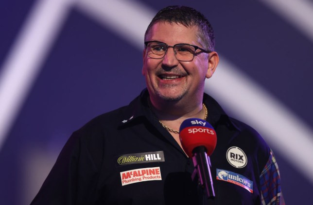 Gary Anderson will face Dave Chisnall in Sunday's World Final