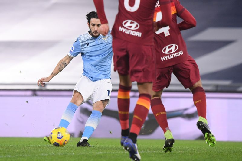 © Reuters. Serie A - Lazio v AS Roma