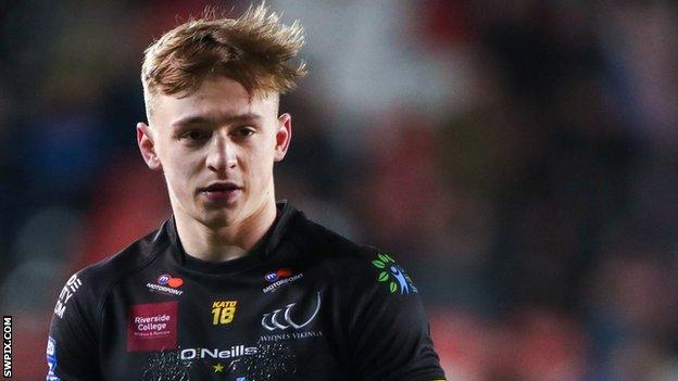 Olly Ashall-Bott made three appearances for Salford Red Devils last season, scoring one try