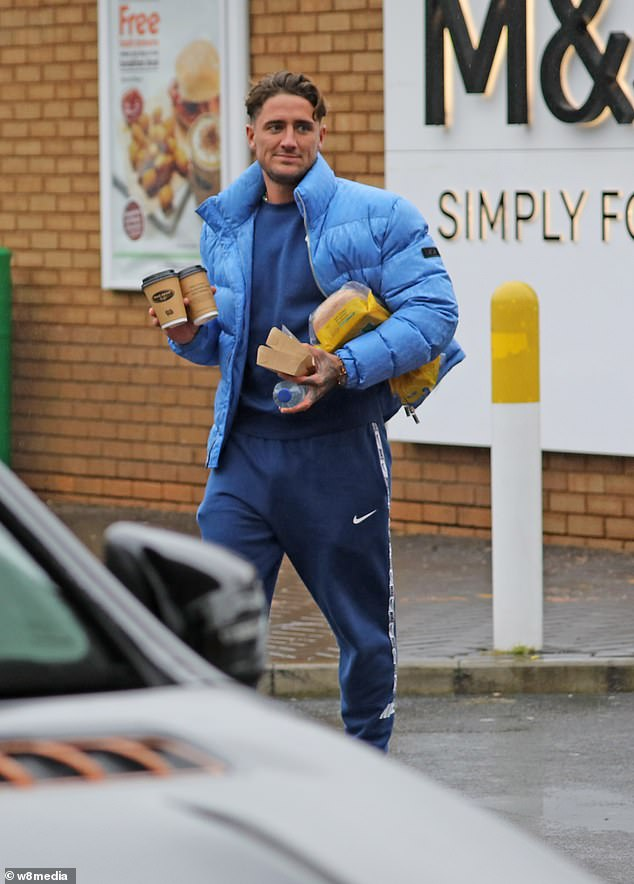Pictured: Stephen Bear was pictured breaking post-Dubai quarantine rules hours after being released following his arrest for alleged revenge porn claims