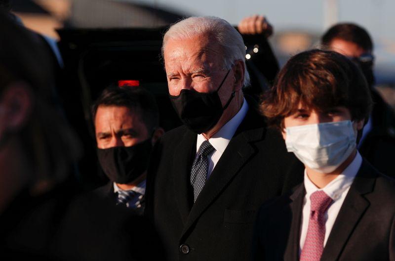© Reuters. Joe Biden arrives at Joint Base Andrews in Maryland