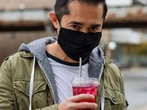 Redee straw-friendly mask