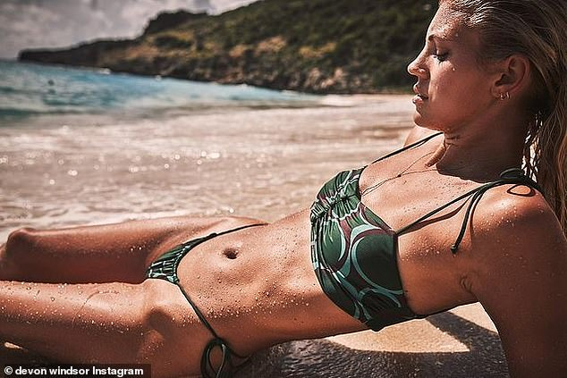 She looks just as great in green: Last week the cover girl chose this two piece to model