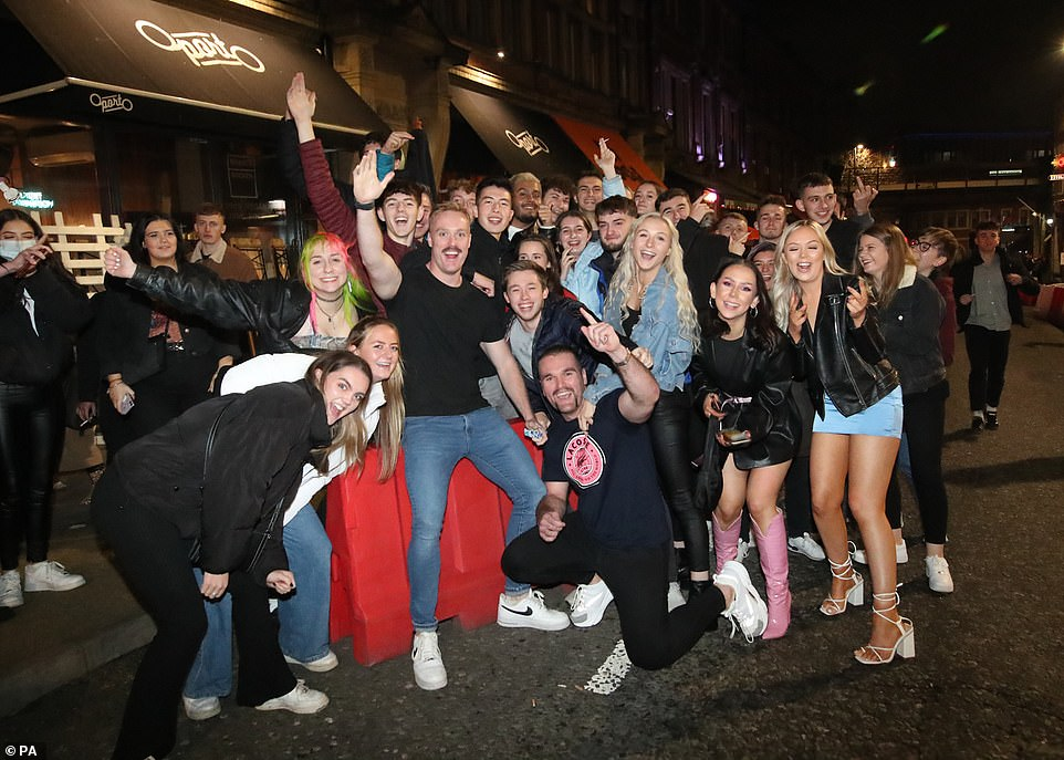LEEDS: People out in Leeds city centre, ahead of the November national lockdown for England. Revellers gathered in force ahead of the restrictions coming in