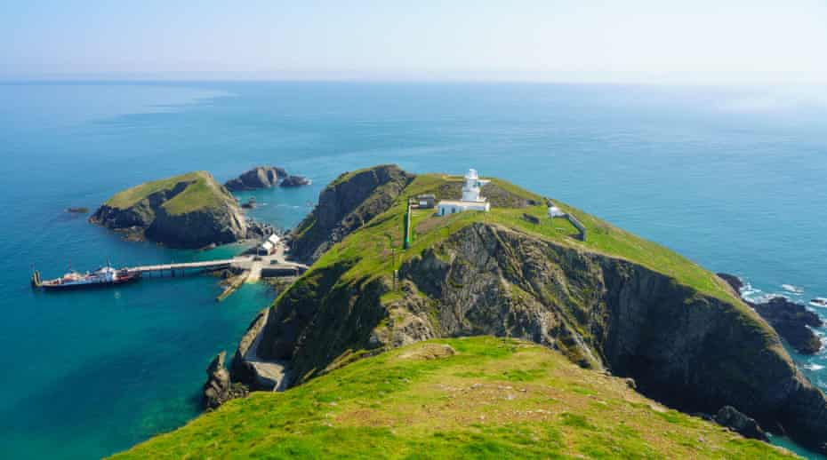 Tourists land from MS Oldenburg on Lundy Island.