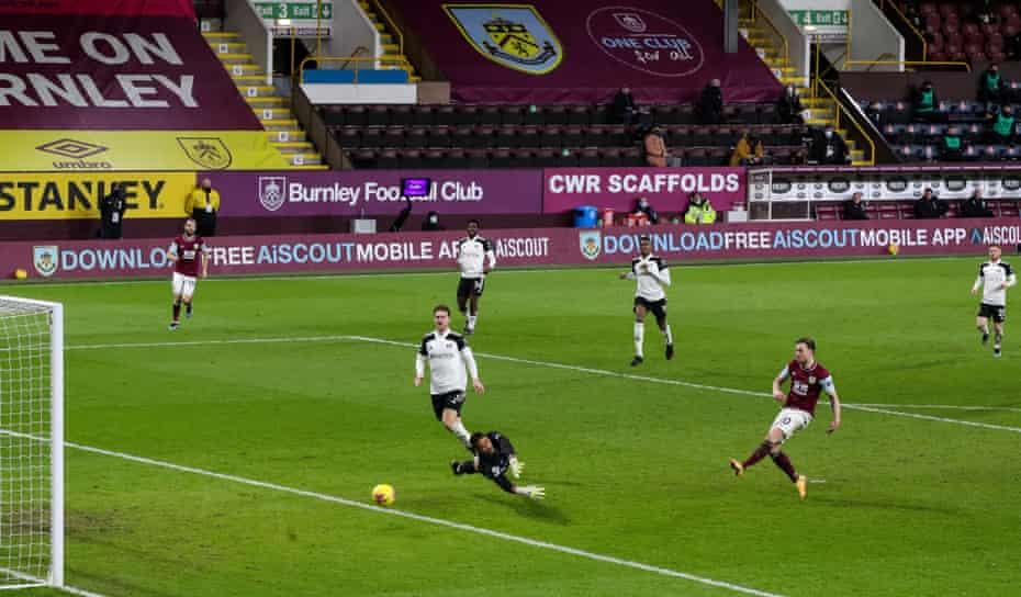 Ashley Barnes slots the ball home for Burnley's equaliser.
