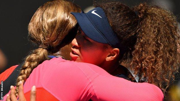 Serena Williams hugs Naomi Osaka