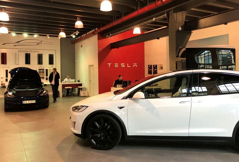 Karnataka's Yediyurappa says Tesla to set up electric car manufacturing unit - CNBC TV 18