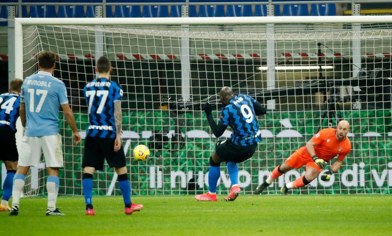 Lukaku double helps Inter beat Lazio to go top