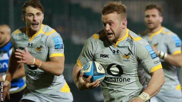 Tom Cruse runs with the ball for Wasps
