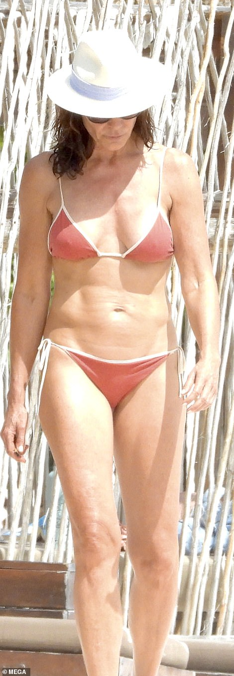 Bikini babe: Luann showcased her fit physique as she enjoyed a magical day on the beaches of Mexico