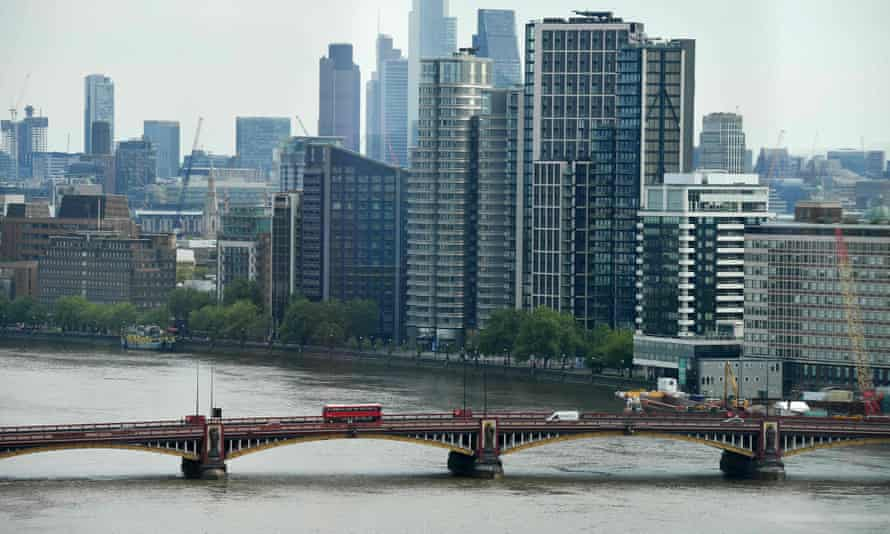 Vauxhall Bridge, which may face traffic restrictions in the near future.